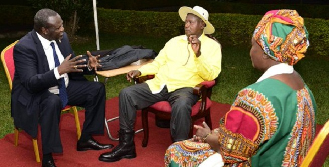 Museveni and Machar at a recent meeting. Machar has agreed to return to Juba. FILE PHOTO
