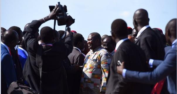 Machar arrives. PHOTO Twitter @geraghtyk