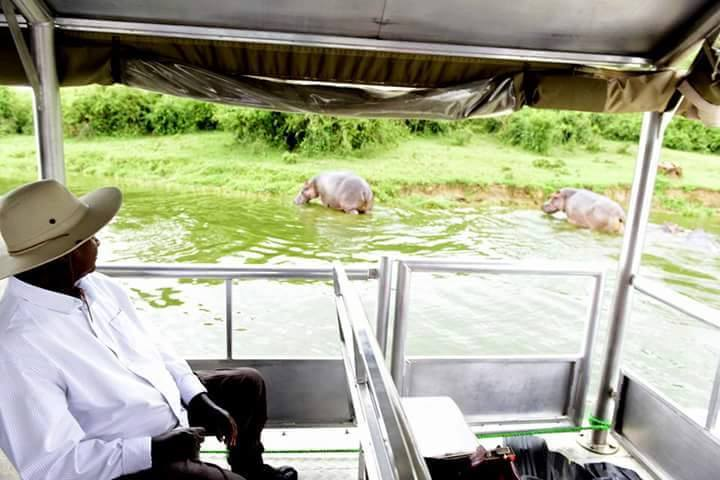 Tourist museveni 6