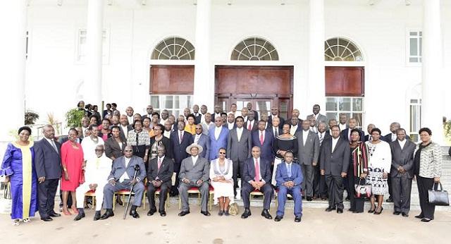 Cabinet Uganda 2016 April