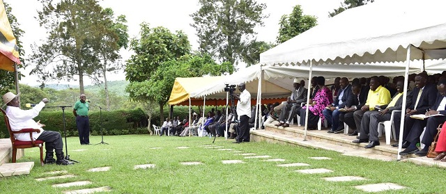 Museveni speaks to Dairy farmers and processors of the AFRISA. AFRISA is an organisation that imparts new skills to rural farmers. PHOTOS PPU