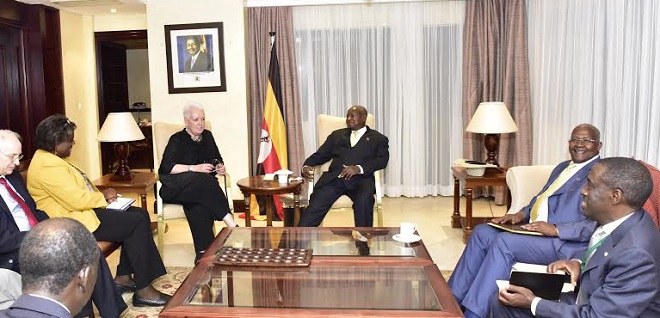 Museveni holds meeting with USAID administrator Gayle Smith and Assistant Secretary of State for African affairs Linda Thomas Green Field . PHOTOS PPU
