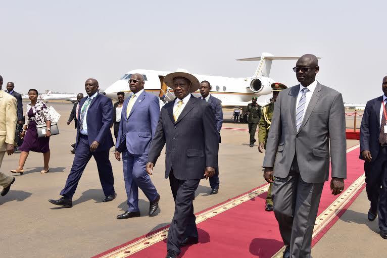 AU museveni arrives 2