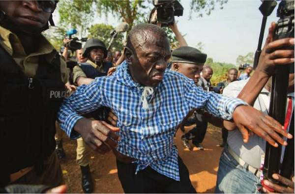 Dr Kizza Besigye being arrested recently. FILE PHOTO