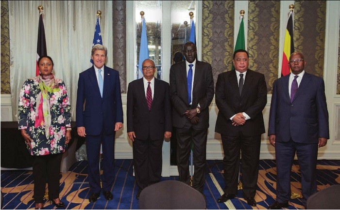 U.S. Secretary of State John Kerry (2nd-L) poses with his fellow Foreign Ministers L-R: Kenyan Foreign Secretary Amina Mohamed, Somalia Foreign Minister Abdisalam Omer, South Sudan Foreign Minister Deng Alor Kuol, Sudan Foreign Minister Ibrahim Ghandour, and Uganda Foreign Minister Sam Kahamba Kutesa after a meeting and working lunch that focused on Somalia and South Sudan on Aug.22 at the Villa Rosa Kempinski Hotel in Nairobi, Kenya. AFP photo