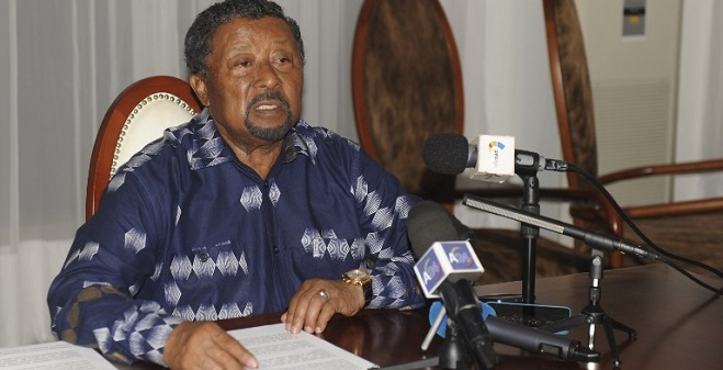 Gabonese opposition leader Jean Ping gives a press conference at his residence in Libreville on September 2, 2016.  Two people died early on September 2 following overnight clashes in Gabon, witnesses said, raising to five the number killed in violence that erupted after President Ali Bongo was declared victor of a disputed election. In the 48 hours since the results were announced huge crowds of angry supporters, some of whom torched the parliament, have taken to the streets. Bongo's government launched a fierce crackdown, with security forces arresting around a thousand people. / AFP PHOTO / STEVE JORDAN