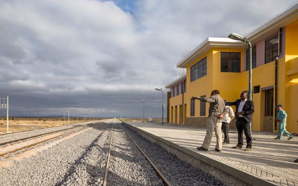 Kenya president Kenyatta is shown the Standard Gauge Railway (SGR) progress recently