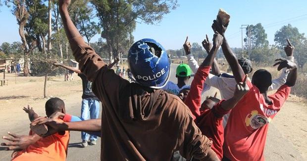 zimbabwe-protest-1