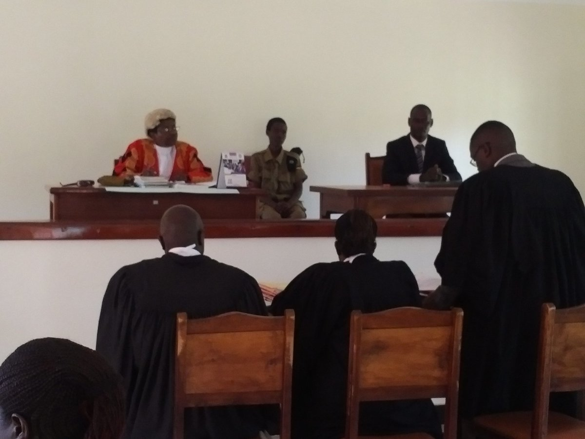 Justice Elizabeth Nahamya conducting the first Plea Bargaining session in Kiboga recently. 37 cases were concluded in 6 hours