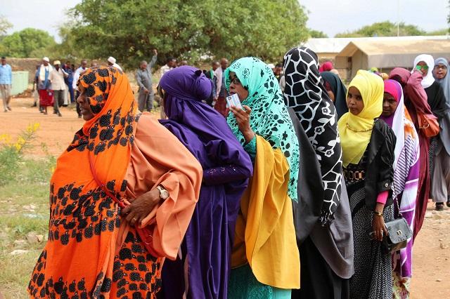 Somali women voting