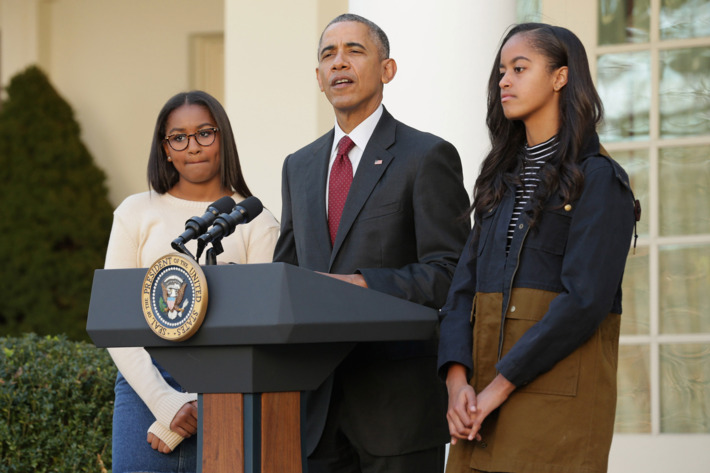Obama says ready to train new leaders in first post-presidency speech