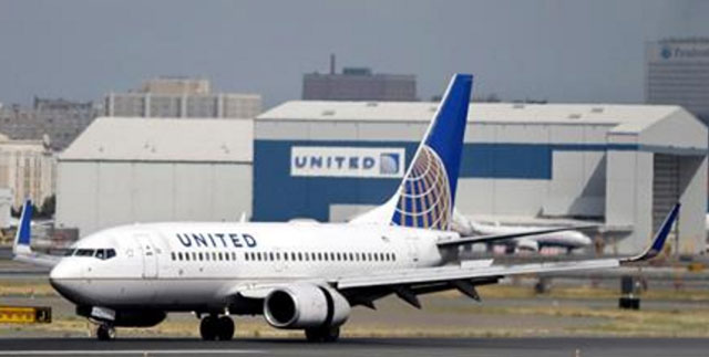 United Airlines hikes compensation to $10,000 after passenger fiasco