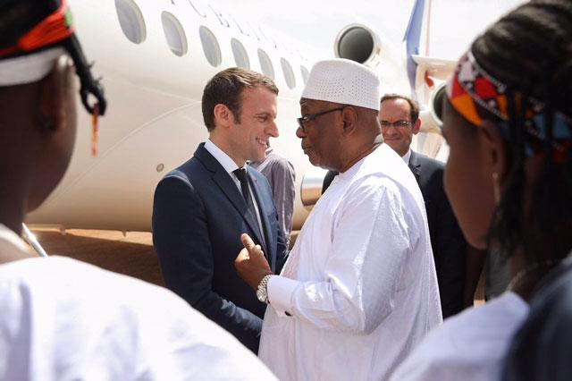 Macron in Morocco to discuss Libya, Qatar