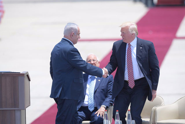 First Sitting President To Visit >> Trump Becomes First Sitting Us President To Visit Western Wall