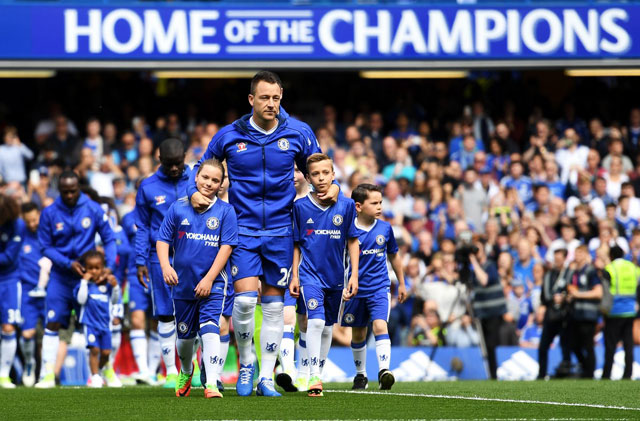 Gallery: Chelsea Lift League Title As Emotional Terry Bids Farewell