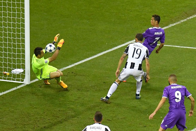 Cristiano Ronaldo scores opening goal in Champions League final
