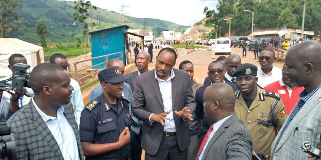 Uganda Rwanda Officials Disagree At Body Handover