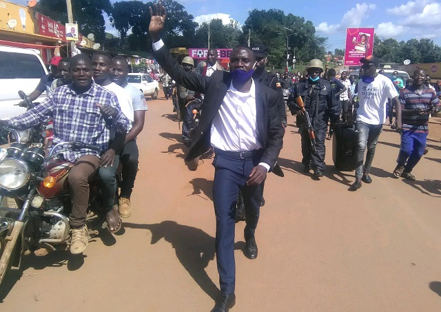 Katumba challenges gov't officials to resign and earn Ugx 25,000 SAGE fund